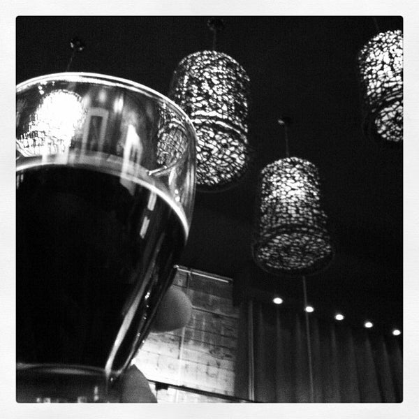 Das Foto wurde bei Viking - Arte Café Punto Zero von Chac G. am 3/26/2012 aufgenommen