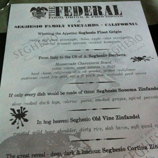 Das Foto wurde bei The Federal Food Drink & Provisions von Lelya M. am 4/24/2012 aufgenommen