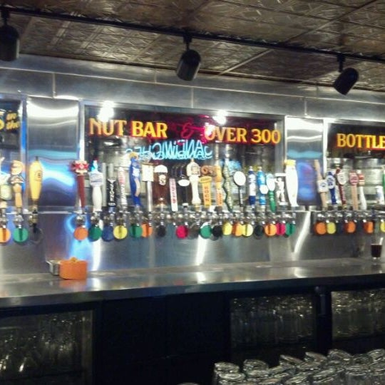 5/17/2012에 Jeannie님이 Williams Uptown Pub & Peanut Bar에서 찍은 사진