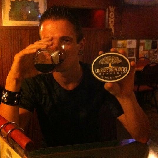 Foto tomada en Arbor Brewing Company por Brett C. el 7/14/2011