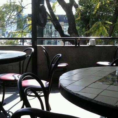 Снимок сделан в Mama's Pizza пользователем Kalia V. 1/22/2012