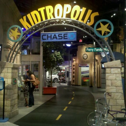 Photo taken at Children's Museum of Houston by Randy on 9/16/2011