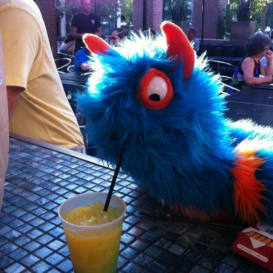6/13/2011 tarihinde Michael C.ziyaretçi tarafından Union Cafe'de çekilen fotoğraf