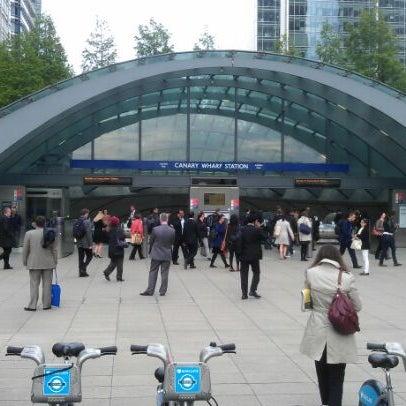 Foto scattata a Canary Wharf da Derek C. il 5/17/2012