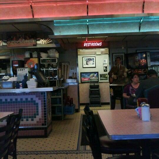 Foto tirada no(a) Rosie's Diner por Jose C. em 3/24/2012