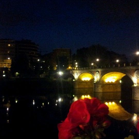 Photo prise au Catullo - Ristorante Pizzeria par Sergio F. le7/14/2012