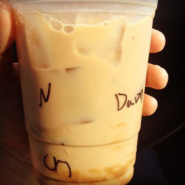 Das Foto wurde bei The Coffee Shop at Agritopia von dawn b. am 9/5/2012 aufgenommen