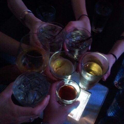 Das Foto wurde bei Redline von Daniela R. am 4/21/2012 aufgenommen