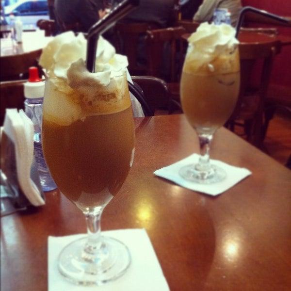 รูปภาพถ่ายที่ Exprèx Caffè โดย Natallia B. เมื่อ 7/16/2012