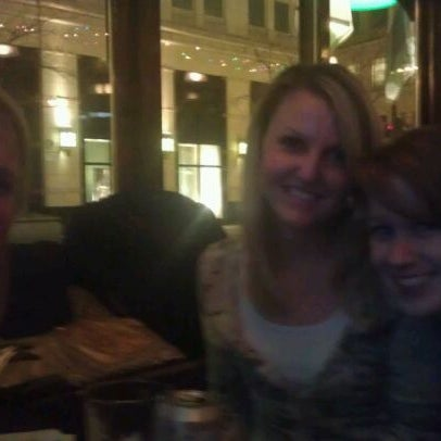 Foto diambil di Pippin's Tavern oleh David M. pada 1/18/2012