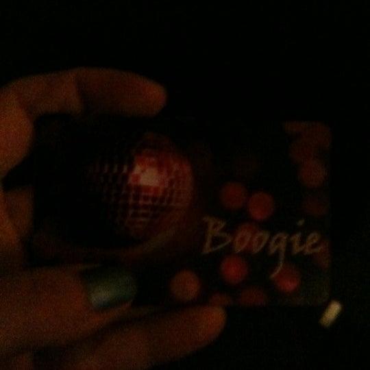 รูปภาพถ่ายที่ Boogie Disco โดย Justine G. เมื่อ 10/29/2011