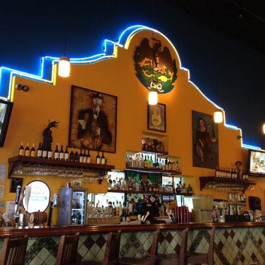 Das Foto wurde bei Mi Pueblito Restaurant Bar & Grill von Bob T. am 12/18/2011 aufgenommen