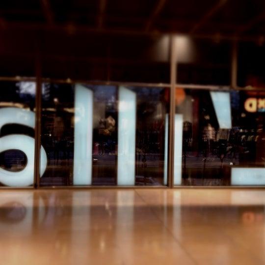 3/24/2012にSteven B.がL'illa Diagonalで撮った写真