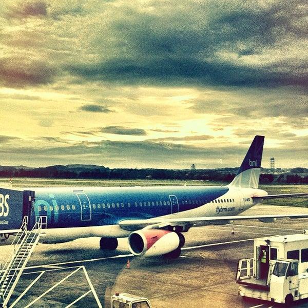 Das Foto wurde bei Edinburgh Airport (EDI) von Dirk S. am 10/30/2011 aufgenommen