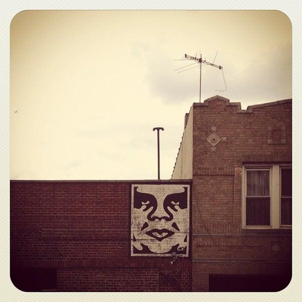 รูปภาพถ่ายที่ The West—Coffeehouse & Bar โดย Rob P. เมื่อ 4/11/2012