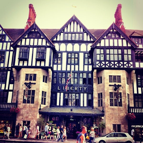 Photo prise au Liberty of London par Arnaud M. le8/18/2012