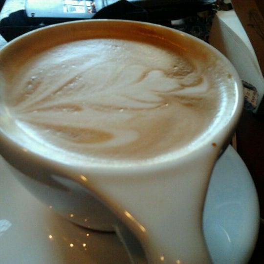 Снимок сделан в Mars Cafe пользователем Rachel C. 2/18/2012