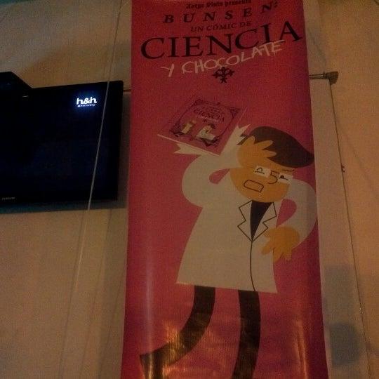 รูปภาพถ่ายที่ Jerónimas โดย Hugo E. เมื่อ 8/18/2012