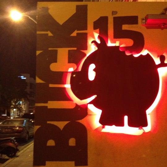 Снимок сделан в Buck15 Lounge пользователем Eunmi L. 9/2/2012