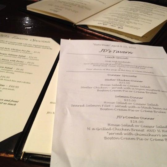 Foto tirada no(a) JD's Tavern por Judi W. em 4/11/2012