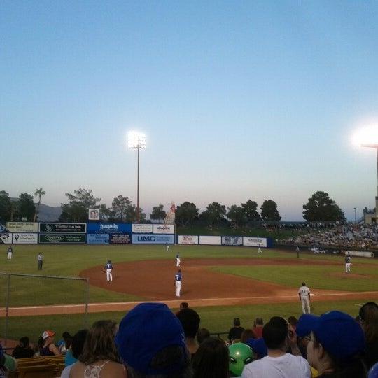 Photo prise au Cashman Field par Ashley T. le6/16/2012