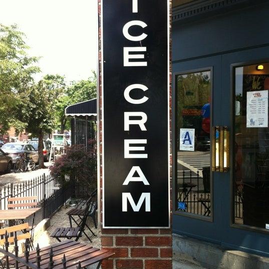 5/26/2012にRaul M.がAmple Hills Creameryで撮った写真