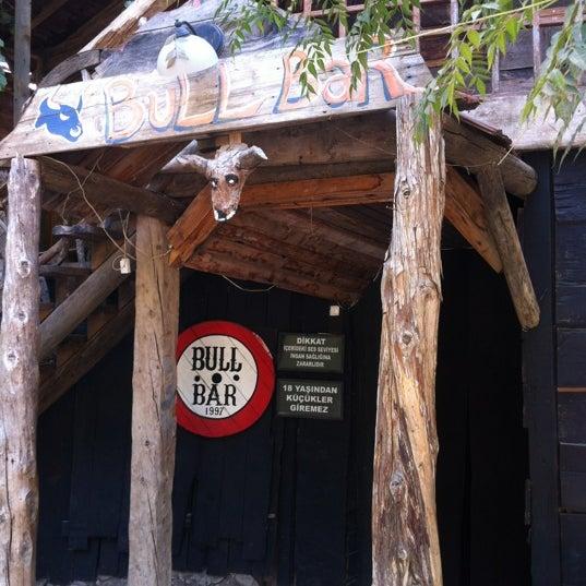 Foto scattata a Bull Bar da Barış il 8/28/2012