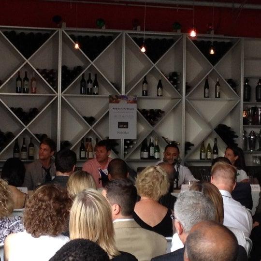 6/20/2012 tarihinde Eat Drink & Be Philly o.ziyaretçi tarafından Bistro St. Tropez'de çekilen fotoğraf