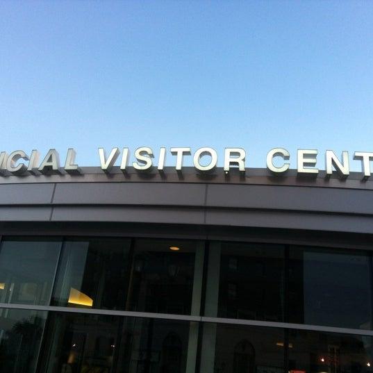 7/24/2012 tarihinde Andrey U.ziyaretçi tarafından Niagara Falls USA Official Visitor Center'de çekilen fotoğraf