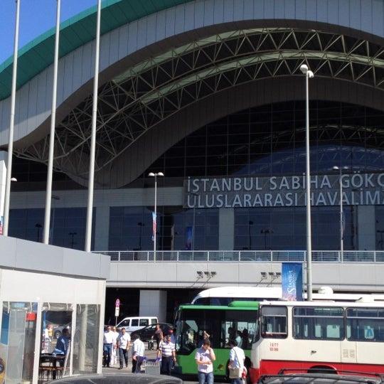 Снимок сделан в Аэропорт Стамбул им. Сабихи Гёкчен (SAW) пользователем Tamer Hatip ت. 6/19/2012