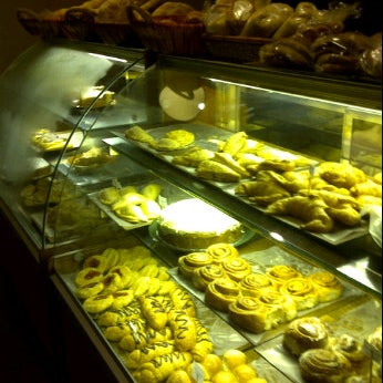 Foto tirada no(a) The Bread Shop por Shadi A. em 9/29/2011