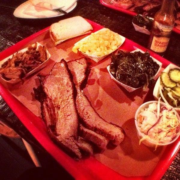 รูปภาพถ่ายที่ Mable's Smokehouse & Banquet Hall โดย alba เมื่อ 3/30/2012