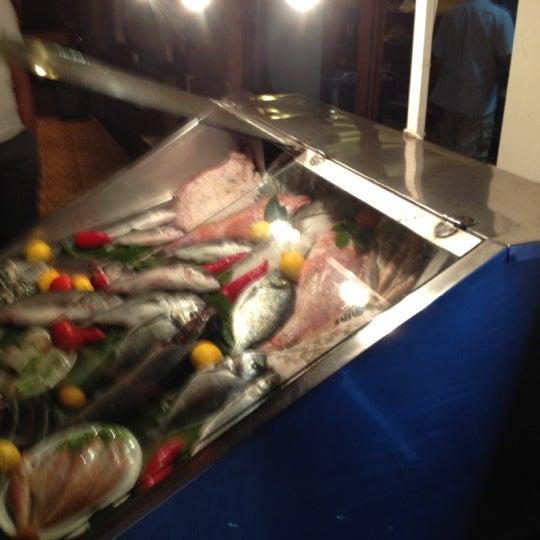 Foto tirada no(a) Yasemin Restaurant por Volkan B. em 6/16/2012