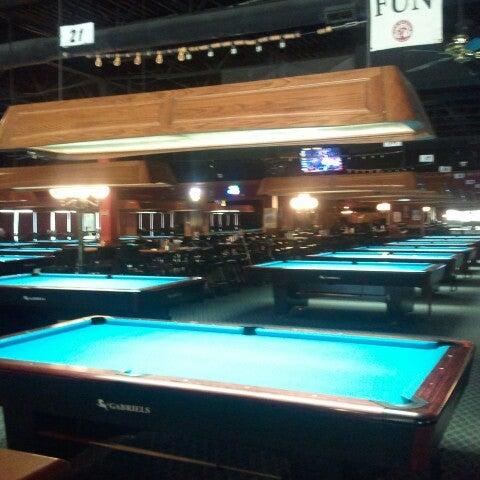6/19/2012에 Jason B.님이 Two Stooges Sports Bar & Grill에서 찍은 사진