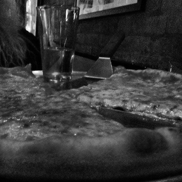 Foto scattata a The Pizza Pub da Agata il 4/29/2012