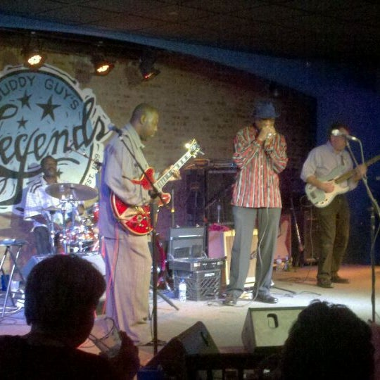 Foto tirada no(a) Buddy Guy's Legends por Chris R. em 10/23/2011