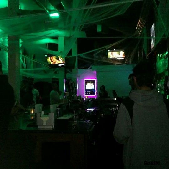 Foto diambil di Spill Lounge oleh Josh F. pada 11/3/2011