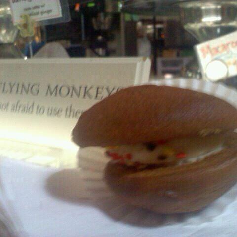 Das Foto wurde bei Flying Monkey Bakery von Elisa am 9/23/2011 aufgenommen