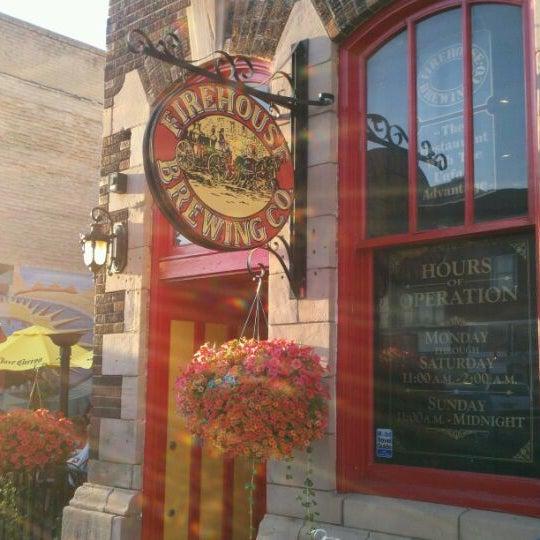 รูปภาพถ่ายที่ Firehouse Brewing Company โดย Wes N. เมื่อ 8/23/2011