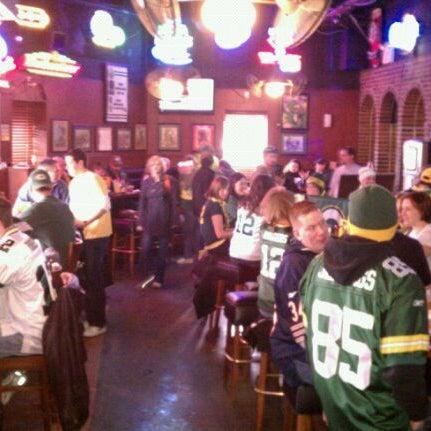 รูปภาพถ่ายที่ Park Tavern Bowling & Entertainment โดย Chad D. เมื่อ 1/23/2011