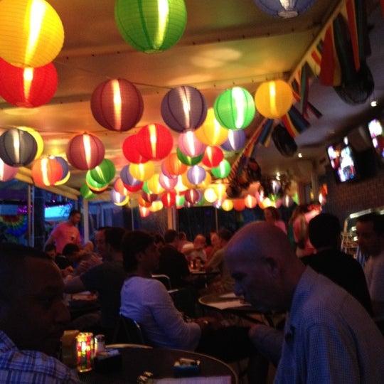 Photo prise au Rosie's Bar & Grill par Sam S. le6/25/2012