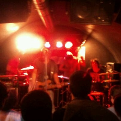 รูปภาพถ่ายที่ Costello Club โดย Pedro B. เมื่อ 10/26/2011