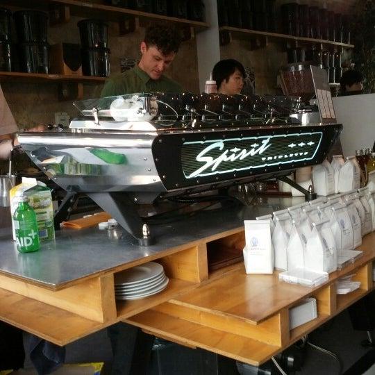 Снимок сделан в Bonanza Coffee пользователем Andreas F. 6/10/2012