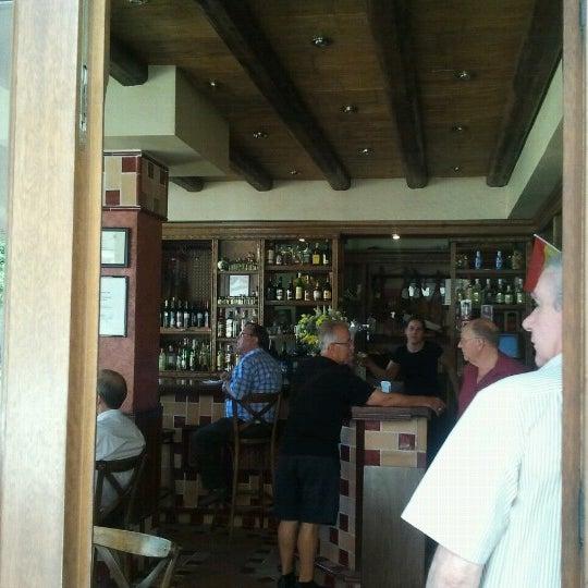 Foto tomada en Café Bar Arriate por Manolo L. el 6/20/2012