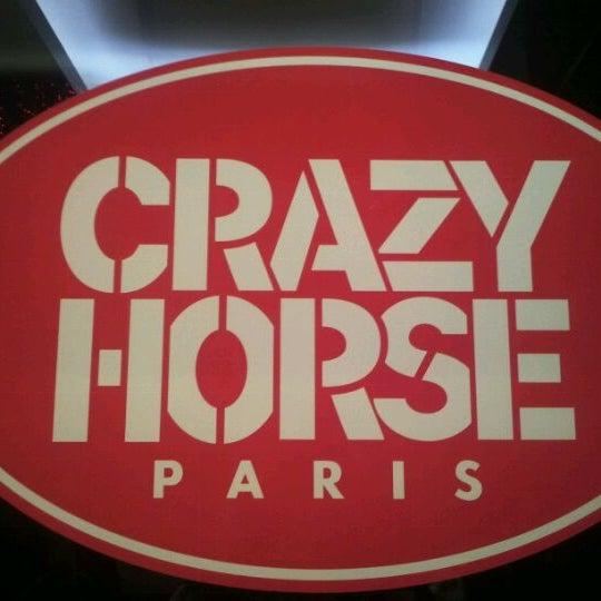 12/19/2011にEsther L.がLe Crazy Horseで撮った写真