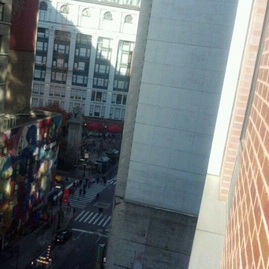 Foto tirada no(a) Hilton Garden Inn por Steven B. em 11/25/2011