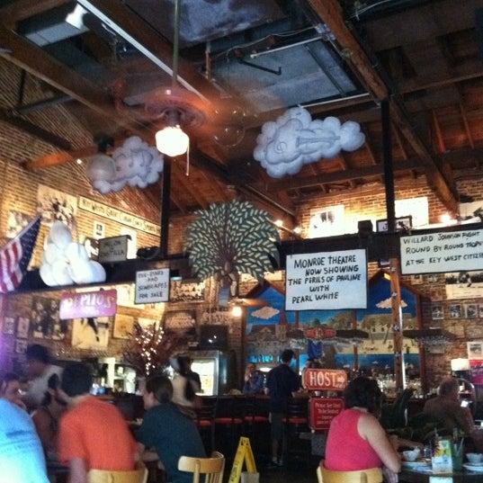 Foto diambil di El Meson de Pepe Restaurant & Bar oleh Nancy K. pada 6/8/2012