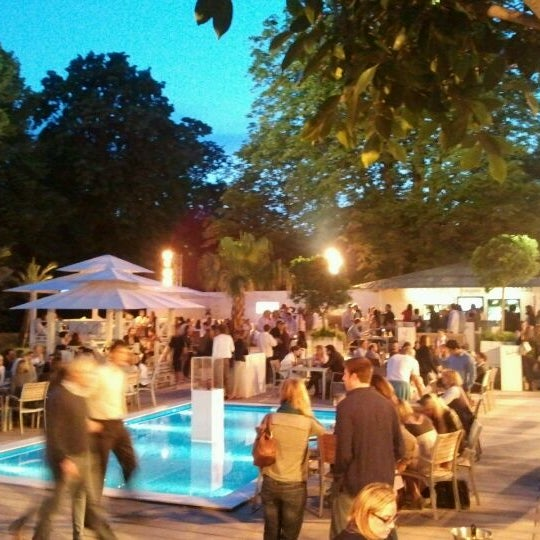 Photos At La Terrasse De L Hippodrome Hippodrome De