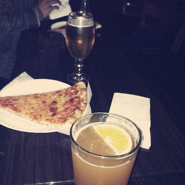 Foto scattata a The Pizza Pub da ᴡᴡᴡ.Biel.linodwi.ru P. il 5/9/2012