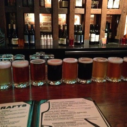 4/6/2012 tarihinde Cathy C.ziyaretçi tarafından Triumph Brewing Company'de çekilen fotoğraf
